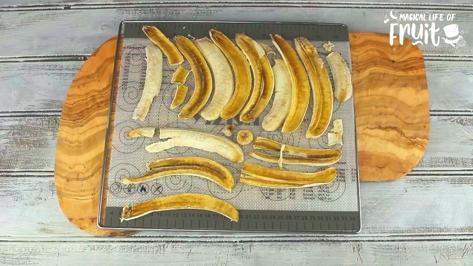 How To Make Banana Chips (2 Ways)